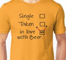 in love with beer Unisex T-Shirt