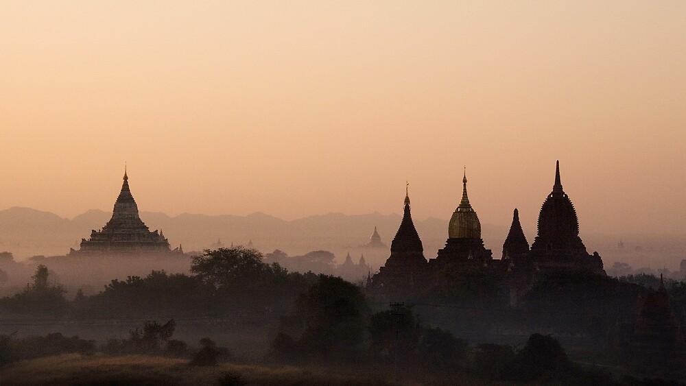 Morning in Bagan 2. by DaveBassett