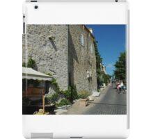 Le Castellet street scene iPad Case/Skin