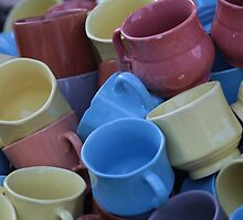 cups with catchy colors by blackblogger