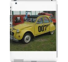 Bond 2cv iPad Case/Skin
