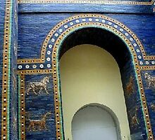 Ishtar gate at Pergamom Museum, Berlin, Germany by chord0
