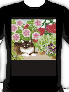 Maine Coon Cat in Patio Jungle Garden T-Shirt