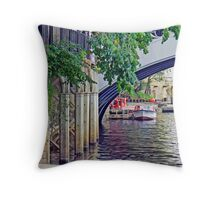 York's River Ouse And Lendal Bridge Throw Pillow