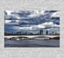 Impressions of London - Stormy Skies Skyline Kids Clothes