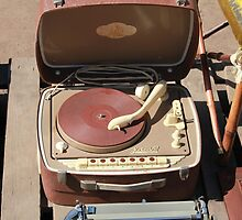 Retro portable turntable by mrivserg
