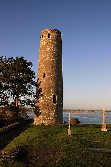 Clonmacnoise round tower by John Quinn
