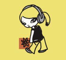 Girl M Orange T-shirt Kids Tee