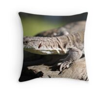 Varanus gilleni Throw Pillow