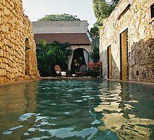Swimmingpool II by julie08
