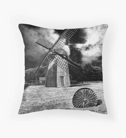 Windmill-Jamestown, RI Throw Pillow