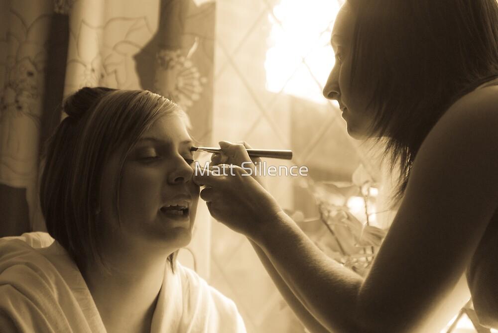 A touch of make-up.. by Matt Sillence