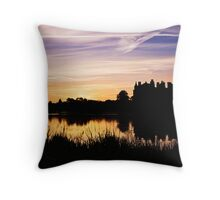 Linlithgow Palace Sunrise Throw Pillow