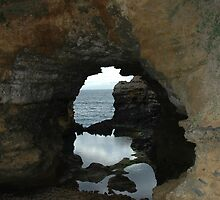The Grotto - Great Ocean Road by kittbagg