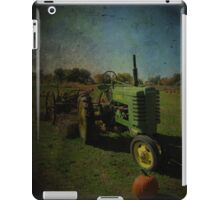 Yesteryear Antique John Deere Tractor on The Farm iPad Case/Skin