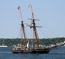 The Tallship Amistad by HALIFAXPHOTO