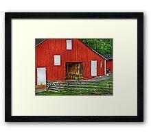 An old barn Framed Print