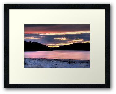 Morar Beach Sunset by Linda  Morrison