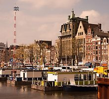 Line Up for a Canal Trip in Amsterdam by mayhurden