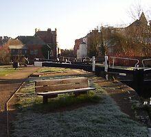 Newbury on a frosty morning by jab03