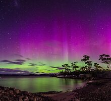 Southern lights out on the bay by Robert-Todd