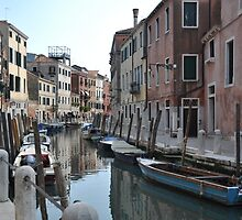 Canal in Dorsoduro, Venice by Hilda Rytteke