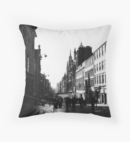 Early morning in Glasgow, Scotland Throw Pillow
