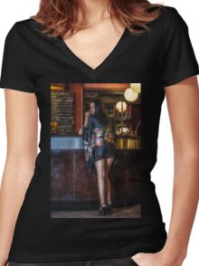 Spirito Women's Fitted V-Neck T-Shirt