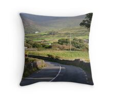 waterville kerry Throw Pillow
