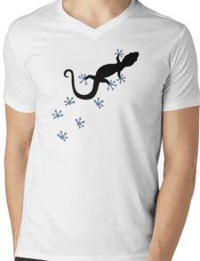Gecko tracks Mens V-Neck T-Shirt