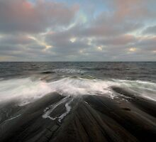 i am like the breeze on the ocean waves by Hogne