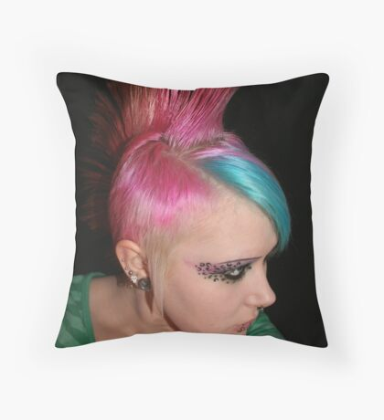 Miss Piggy strikes again Throw Pillow