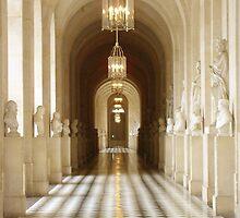 Le corridor de Château de Versailles by Voyager398