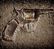 The gun by Kurt  Tutschek