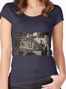 Mechanical Hacksaw  Women's Fitted Scoop T-Shirt