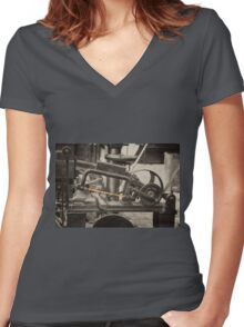 Mechanical Hacksaw  Women's Fitted V-Neck T-Shirt