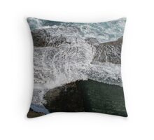 Wave at Bogey Throw Pillow