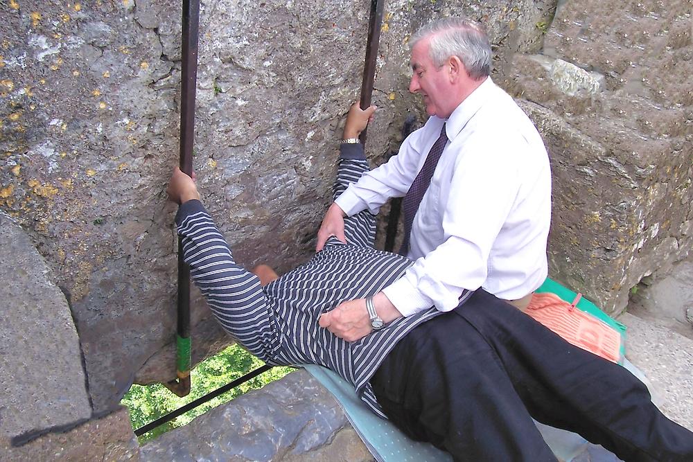 Kissing the Blarney Stone by pinnafore