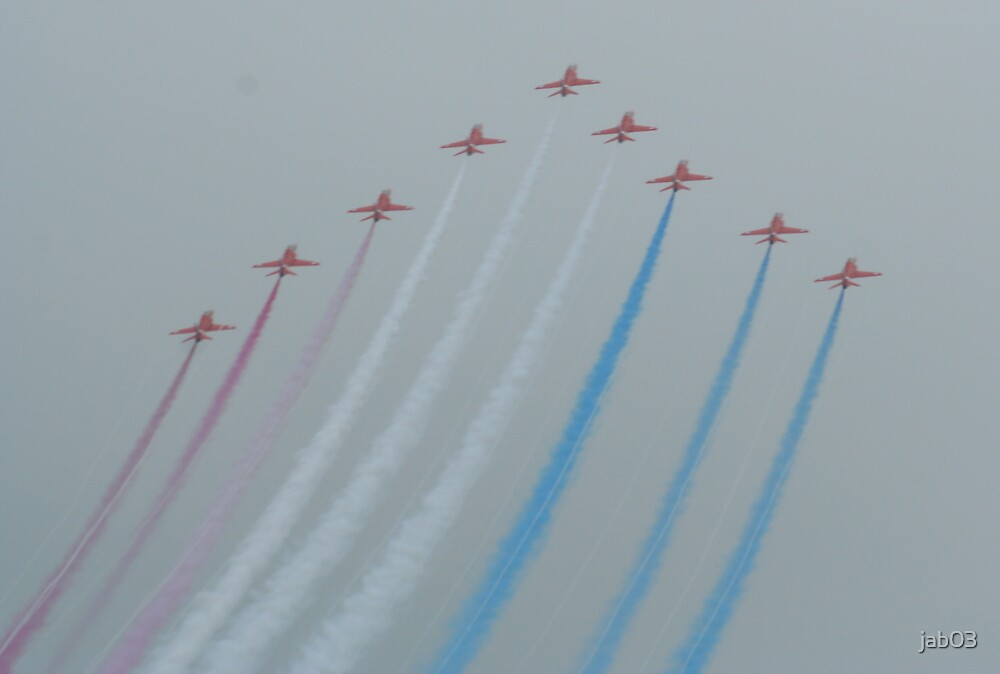 Red Arrows at the weymouth Carnival by jab03