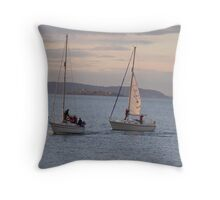Comming to shore Throw Pillow
