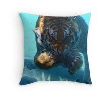 Underwater superstar! Throw Pillow