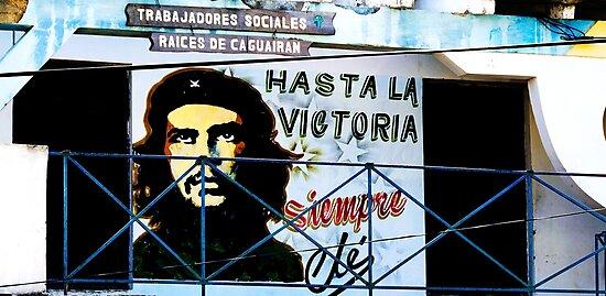 Artwork of Che on Trabajadores Sociales building, Vinales, Cuba by David Carton