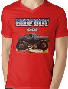Big Foot 4x4x4 Mens V-Neck T-Shirt