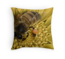 Oh what a buzz Throw Pillow