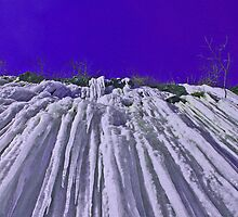 Icicle Cliff by tinmar