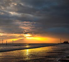Daybreak on the beach by Violaman