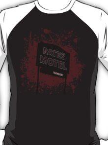 Bates Motel - Alfred Hitchcock T-Shirt