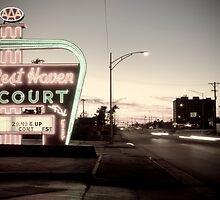 Rest Haven Court Motel. Missouri. (Alan Copson © 2007) by Alan Copson