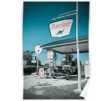 Gay Parita Gas Station. Missouri. (Alan Copson ©) Poster
