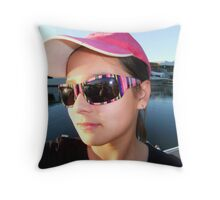 Candid Shot >> Throw Pillow